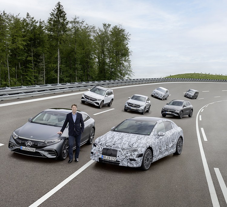 Only EVs, car inventors (Mercedes) will only produce new electrics in four years